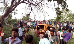 بھارت: ٹرین اور اسکول بس میں تصادم، 13 بچے ہلاک