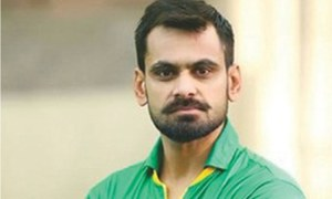 ICC allows Hafeez to resume bowling
