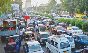 Snap checking by law enforcers causes massive traffic jam in Karachi's downtown area
