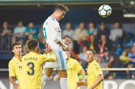 Real throw away lead in Villarreal draw before CL final