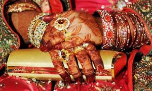 Mother convicted in UK of tricking daughter into forced marriage in Pakistan