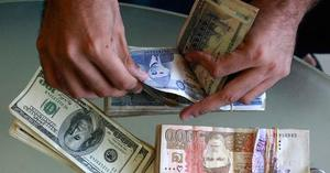 Dollar rises to Rs122 in open market