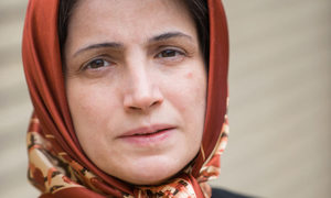 Iran detains rights lawyer who defended headscarf protesters