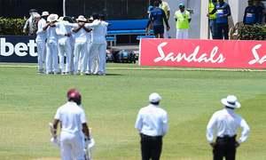 Sri Lanka fury as 'ball-tamper' row threatens second Test