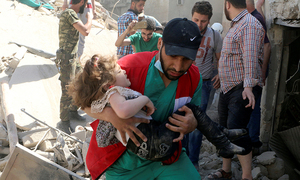 Families flee as govt forces, Russia pummel Syria's south