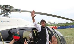 سرکاری ہیلی کاپٹرز کا استعمال: نیب نے عمران خان کو طلب کرلیا