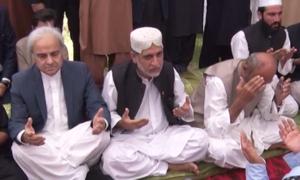 نگراں وزیراعظم، شہباز شریف، عمران خان کی سراج رئیسانی کے اہل خانہ سے تعزیت