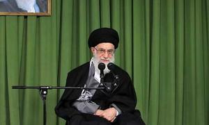 مسائل سے نمٹنے کیلئے ملکی ادارے ایرانی صدر کی حمایت کریں، آیت اللہ خامنہ ای