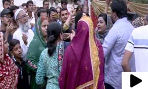 فاروق ستار کے کارنر میٹنگ سے خطاب کےدوران خواتین الجھ پڑیں