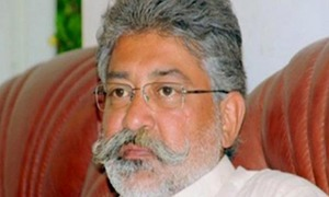 Pir Pagara asks disciples to donate funds for construction of Diamer-Bhasha, Mohmand dams