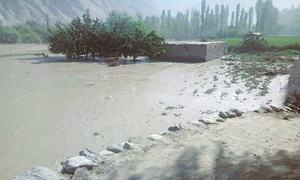 گلگت: گلیشیئر پگھلنے سے منصوعی جھیل نے تباہی مچا دی