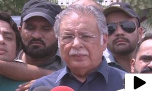 'عمران خان کو احتساب عدالت کے سامنے پیش نہ ہونے کی سہولت فراہم کردی گئی'