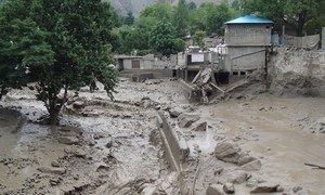 گلگت: سیلاب کے باعث متاثرہ علاقوں میں لوگ محصور