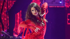 Selena Gomez wants to collaborate with A R Rahman for a Bollywood movie