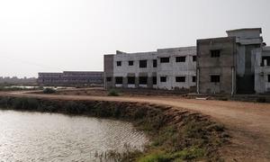 ٹنڈو محمد خان کا 10 سال سے زیرِ تعمیر اسکول