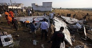 بھوجا طیارہ حادثہ:سول ایوی ایشن کا تحقیقاتی ٹیم کو فائل دینے سے انکار