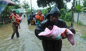 بھارت: سیلاب نے تباہی مچادی، ہزاروں بے گھر