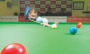 Asif, Shahid and Babar storm  into quarters of ranking snooker