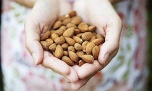 روزانہ چند بادام کھانے کے فائدے جانتے ہیں؟