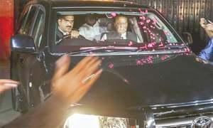 Nawaz, Hamza meet detained Shahbaz in NAB office