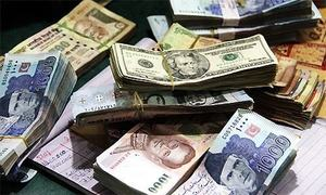 Devaluation pushes up total debt by Rs900bn