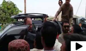 کراچی میں تحریک انصاف کے ارکان اسمبلی کے درمیان جھگڑا