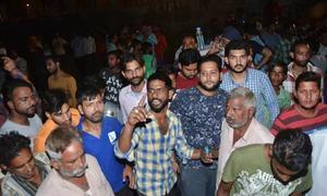 بھارت: دسہرہ کی تقریب، تیز رفتار ٹرینوں کی زد میں آکر 61 افراد ہلاک