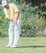 Munir seizes first-round lead