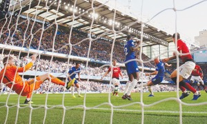 Manchester City in big win, Chelsea deny United