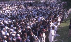 مولانا سمیع الحق کی والد کے پہلو میں تدفین