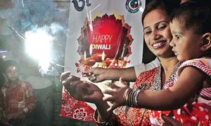 وزیراعظم سمیت دیگر سیاست دانوں کی ہندو برادری کو دیوالی پر مبارکباد