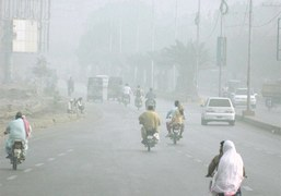 Thick smog, fog hit most areas in Sindh