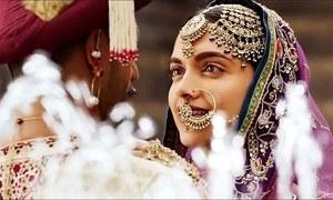 دپیکا پڈوکون اور رنویر سنگھ شادی کے بندھن میں بندھ گئے