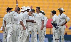 Boult leads New Zealand fightback against Pakistan