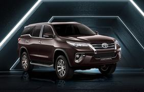 Meet the new Toyota Fortuner Sigma-4 on a thrilling obstacle course