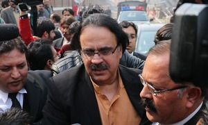 Dr Shahid Masood arrested from court premises after IHC judge dismisses bail