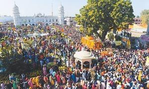 کرتار پور راہدرای کی تعمیر کے اعلان پر سکھ یاتریوں کی خوشی دیدنی