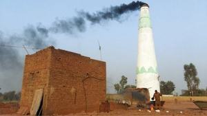 Kilns' closure, delay in crushing season leave thousands jobless in Muzaffargarh
