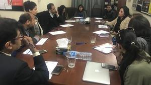 Are women reporters shut out from 'hard' beats? Pakistani journalists deliberate