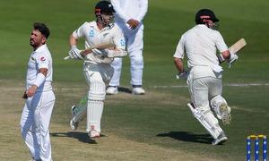 Williamson, Nicholls swell New Zealand lead to 198 runs in final Test
