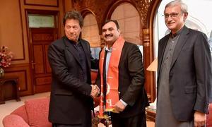 PPP's Shaukat Basra jumps ship, joins PTI