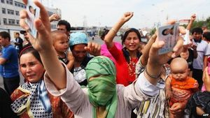 Locked away, forgotten: Muslim Uighur wives of Pakistani men