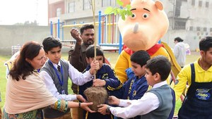 Innovative Jumbo Junior educates children about deforestation with a campaign