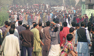 Worker dies in clash near Pakpattan farm