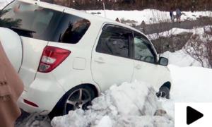 شانگلہ ٹاپ میں شدید برفباری، گاڑیاں حادثات کا شکار