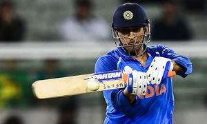 Dhoni finishes off job to clinch ODI series for India against Australia