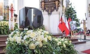 Polish mayor's funeral draws tens of thousands