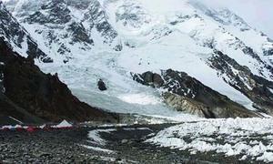 Glacier surge creates artificial lake in Hunza