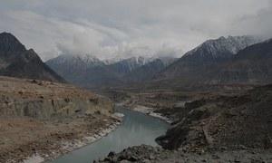 'بھارت پانی روکتا بھی ہے تو پاکستان کو فرق نہیں پڑے گا'
