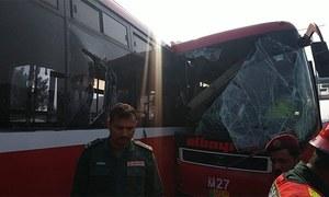 لاہور میں دو میٹرو بسوں میں تصادم، لڑکی جاں بحق، متعدد زخمی